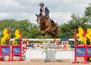 Chloe Reynolds secures victory in the Nupafeed Supplements Senior Discovery Second Round at Chard Equestrian