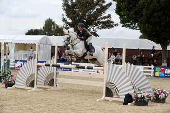 Jenna Good and Western King win the Pony Discovery Championship Final