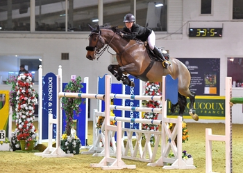 Emily Ward wins the Winter Grand Prix at Arena UK