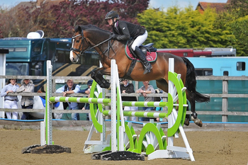 Emma-Jo Slater tops the table in KBIS Insurance Senior British Novice Second Round at Parwood Equestrian Centre