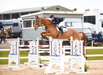 Holly Smith wins the Lord & Lady Equestrian Senior Newcomers Second Round at Vale View Equestrian Centre