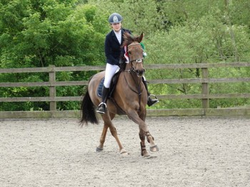 Isabel Warde-Aldam secures the Horseware Bronze League Qualifier at Allens Hill Equestrian Centre