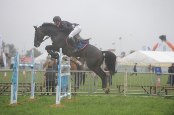 Mark Edwards claims the British Horse Feeds Speedi-Beet HOYS Grade C Qualifier at Pembrokeshire County Show