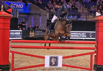 Deakin Sisters Top the Bill at Liverpool International