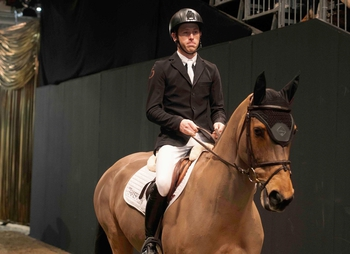 Scott Brash & Ursula XII leave the arena for the final time......
