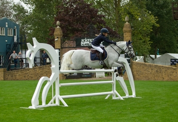 Sophia Rogers scoops the Pony of the Year Winter 128cm Championship Title
