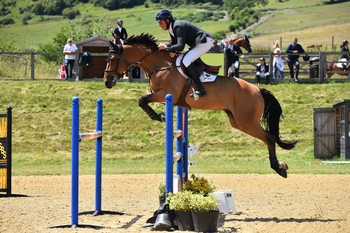 Trevor Breen claims the Equitop Myoplast Senior Foxhunter Second Round at Pyecombe Horse Show