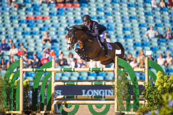 Will Whitaker delivers another clear on Day 2 of the FEI European Championships