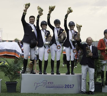 Gold for British Showjumping's Team NAF Young Riders