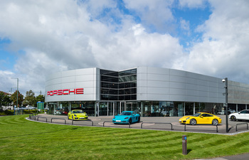Porsche Centre Solihull set to sponsor Championship Arena at the British Showjumping National Championships